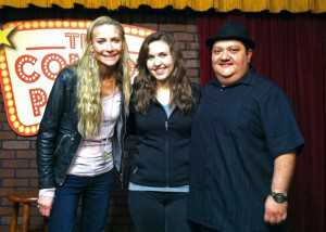 taylor tomlinson with al and maria